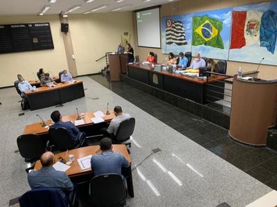 Prof. Luiz Carlos apresentou 10 propostas na última sessão